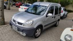 Automóvel Adaptado Renault Kangoo Sportway 1.6 16V Flex 2010