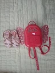 Título do anúncio: Sandália e mochila Barbie 25