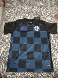 Camisas futebol, Manchester e Seleção Croácia.