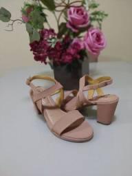 Sandálias, sapatilhas, RASTEIRAS 30% de DESCONTO