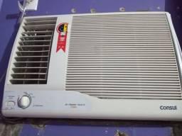 Ar condicionado 21000Btu e geladeira 450litros
