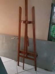 Cavaletes de madeira para tela pintura.
