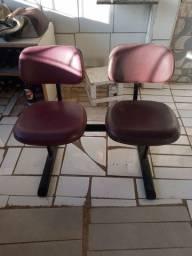 Vende-se uma grade e 2 cadeiras