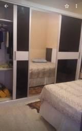 Vendo um armário de quarto de qualidade 800.reais