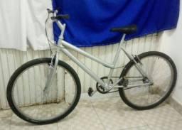 Bike aro 26, feminino na cor prata! toda pronta pra andar.