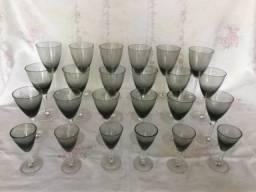 Conjunto de taças de cristal fume