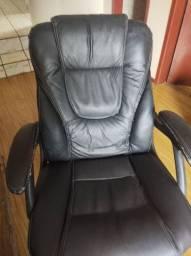 Uma cadeira de escritório
