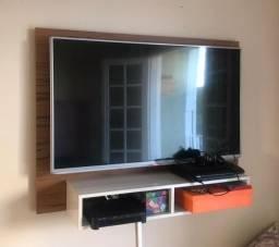 Painel de TV em perfeito estado. Pouco tempo de uso.