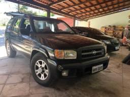 Nissan pathfinder 3.3 4x4 - 2001