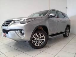Toyota Hilux SW4 2.8 SRX 4X4 7 LUGARES