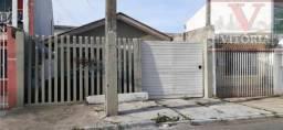 Casa no Pinheirinho com 3 quartos próximo a Unidade de Saúde Maria Angélica, Colégio Estad