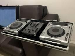 Par de Cdj 850 com mixer djm 400