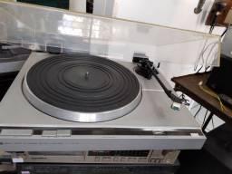 Toca disco prato Philips Do 212 funcionando com agulha e um disco de brinde