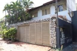 Casa sobrado com 4 quartos - Bairro Setor Bueno em Goiânia