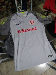 Título do anúncio: Vendo camiseta usada pelo Marcelo lomba e altografada