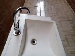 Cuba de Cerâmica para Banheiro + Torneira + Válvula . Por R$ 150,00