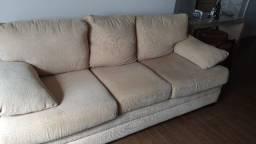 Sofa em veludo de 3 lugares com almofadas de silicone