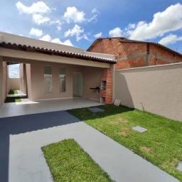 Título do anúncio: Maravilhosa Casa no Jardim Canedo 3 em Senador Canedo, localização excelente na avenida do