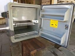 Geladeira de caminhão resfriar