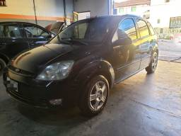 Fiesta 1.6 8v flex Completo 2006 5 portas 13.900