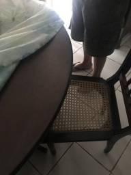 Mesa e 2 cadeiras rústica usada