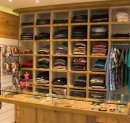 Título do anúncio: Móveis loja de roupa completa
