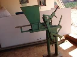 Prensa para produção de Tijolos ecológicos