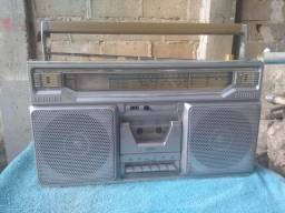 Rádio gravador anos 80