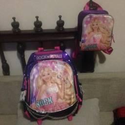 Mochila e lancheira Barbie