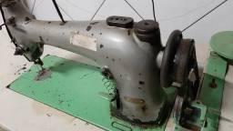 Máquina reta industrial antiga