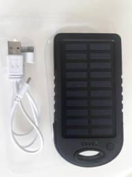 Carregador solar através do painel solar