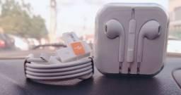 Cabo + Fones de ouvido para iPhone.