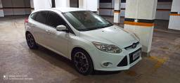 Ford Focus Hatch Titanium 2.0 16v PowerShift<br>Automático 15/15<br><br>