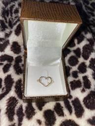 Anel de coração em ouro