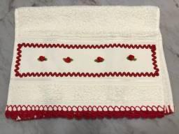 Título do anúncio: Toalhas de mão novas com detalhe e bico de crochê