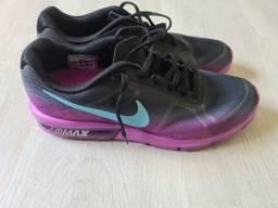 Título do anúncio: Tênis Nike Airmax original feminino 39