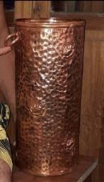 Porta-guarda-chuva, Bengaleira, em cobre com motivo de  flores