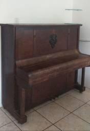 Piano Brasileiro Nardeli EM ÓTIMO estado.