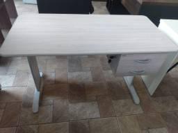Mesa reta com 2 gavetas -Produto novo