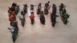 Título do anúncio: Miniatura de motos do extra