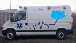 Renault Máster - Ambulância