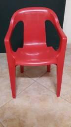 Cadeira de plástico infantil