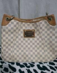Bolsa Louis Vuitton BA0015