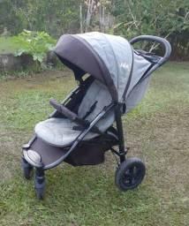 Carrinho de bebê importado marca Joie