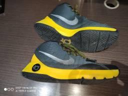 Tênis Nike Tam, 41 estado de novo Pensa em um tênis chamativo