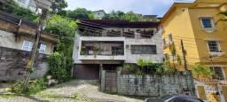 Tijuca Maravilhosa Casa Triplex em local bucólico Residencial ou Comercial