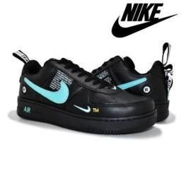 Tênis Nike Air Force Feminino e Masculino
