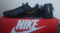 Chuteira Nike tiempo 38