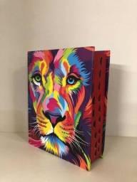 Biblia Leão Color Capa Dura Média Com Harpa<br><br>E Corinhos