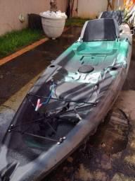 Vendo Caiaque Explorer Fishing Duplo com instalação e suporte para motor